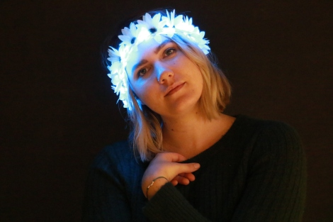 Light Up Flower Crown Blue Lights Festival Fashion Trends 3 (1)