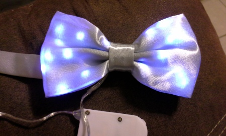 LED Light Up Bowtie Glow Tutorial (34)